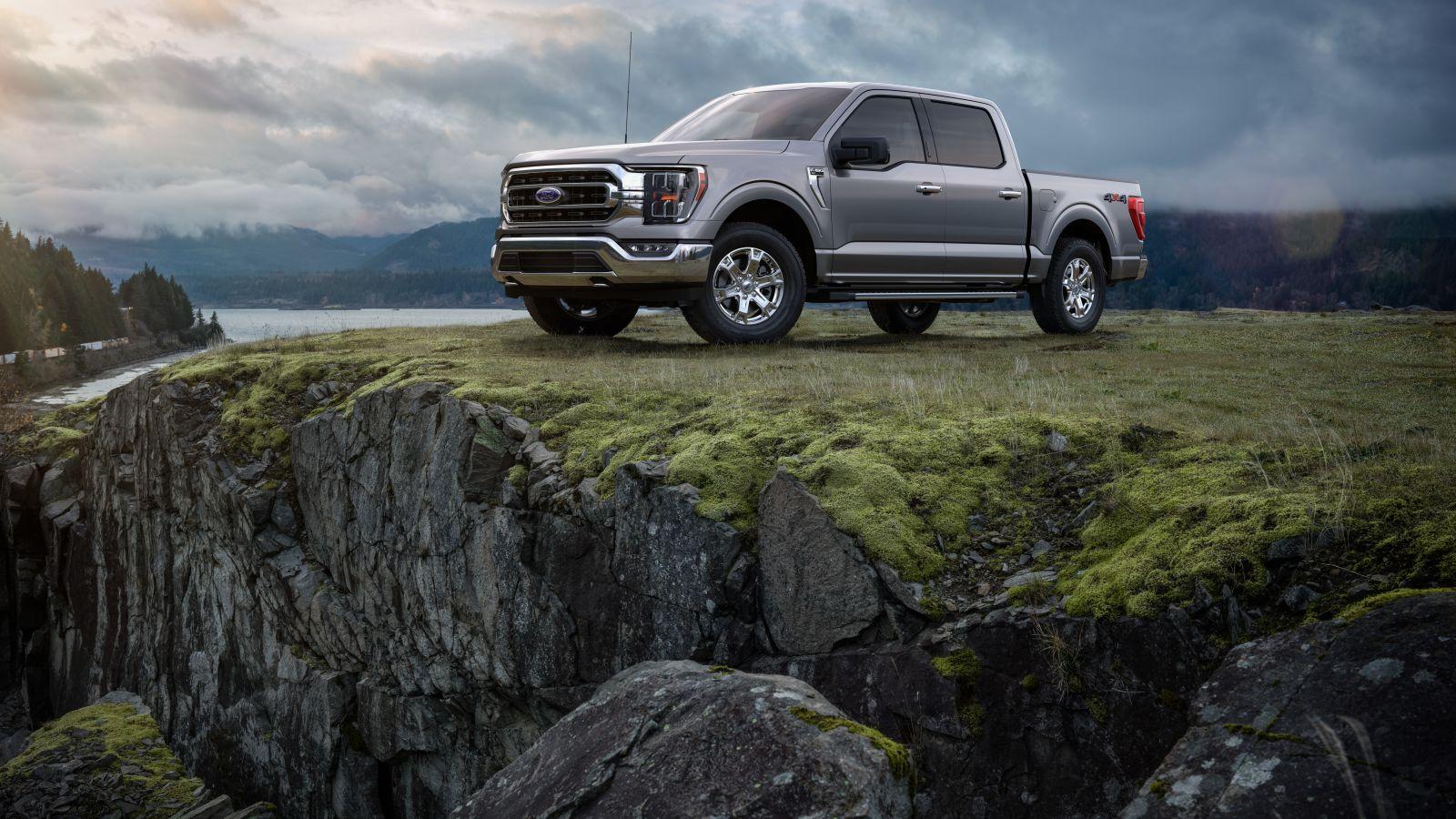 EV復権、「不毛の地」米国で 車産業の「アフタートランプ」