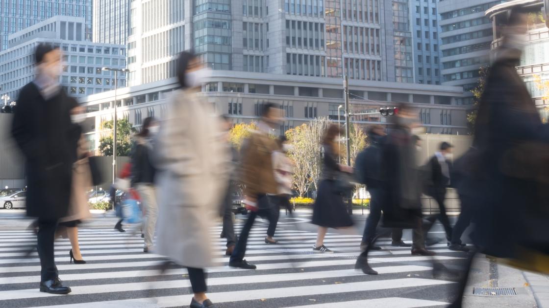 緊急事態宣言初日に調査、東京・品川・新宿駅の出勤者数は意外な結果に