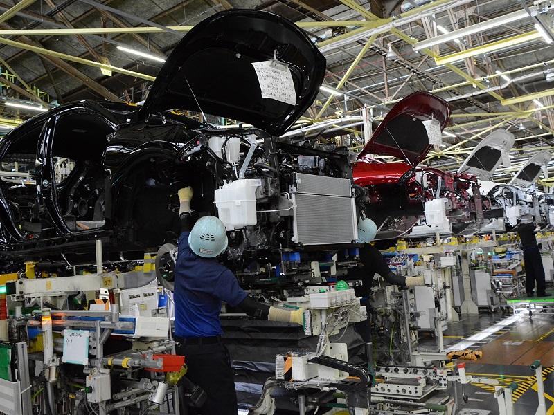 トヨタ、11月も10万台超減産 通期計画は据え置き