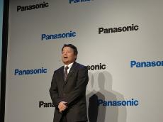記者会見でスピーチするPanasonic Consumer Marketing Company of North AmericaのPresidentの北島嗣郎氏