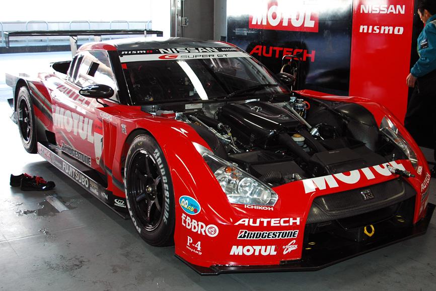 図3 2009年のSUPER GTに参戦したレースカー ニスモ、FIA GT選手権向けの「NISSAN GT-R ...