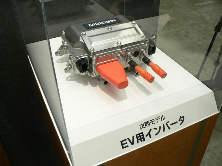 【人とくるま展】明電舎、大きさ2/3に小型化したモータ・インバータを開発