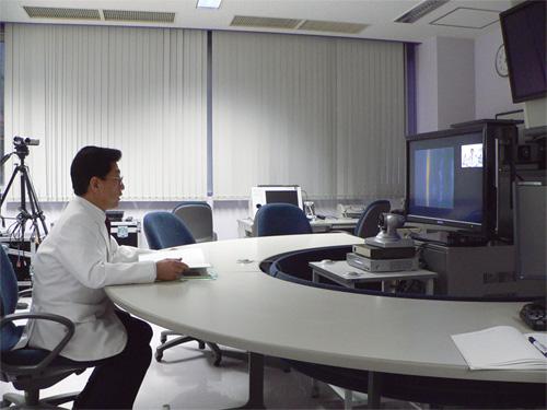 旭川医科大学病院による眼科の遠隔医療の様子 [画像のクリックで拡大表示... 遠隔医療とは:医療
