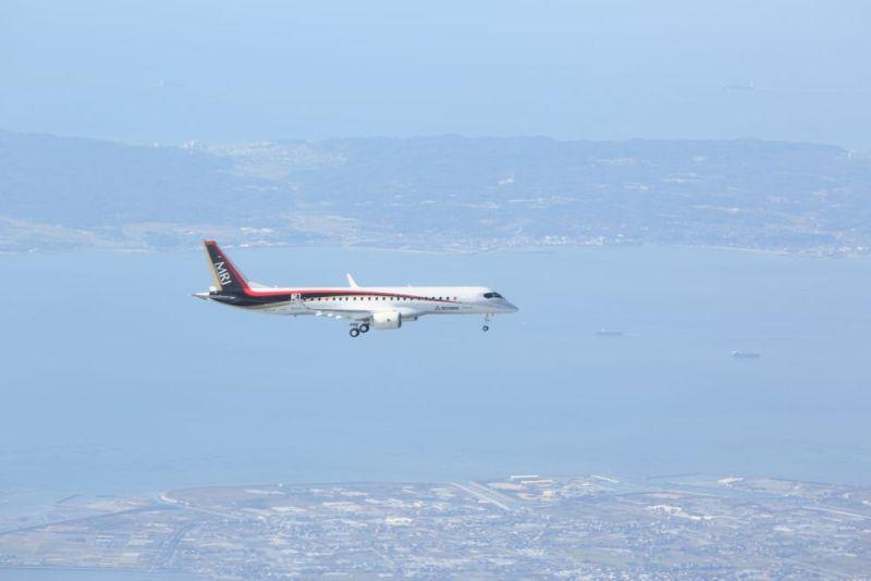 上空で見るMRJ初飛行