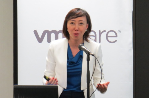 VMware社のStorage and Availability担当Senior Vice President and General ManagerのYanbing Li氏