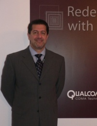 図2  Qualcomm社 Vice President, Product Management, Qualcomm CDMA TechnologiesのAlex Katouzian氏