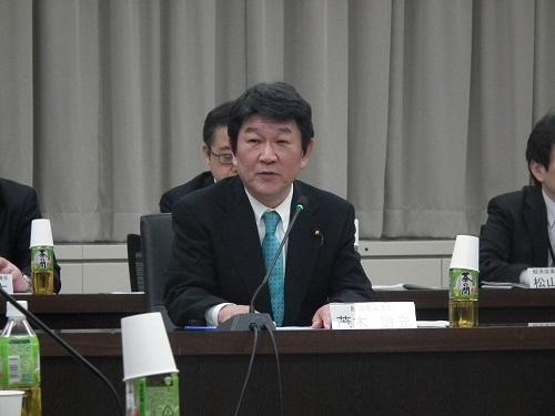 挨拶する茂木敏充経済産業大臣 [画像のクリックで拡大表示] 次ページ以降はITpro会員(無料)