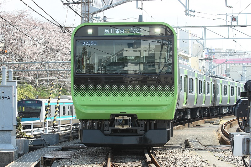 運転打ち切りの山手線新型電車「E235系」、ソフトのバグで電車が止まる時代に