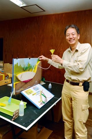自作「ドボク模型」で講義 藤井俊逸