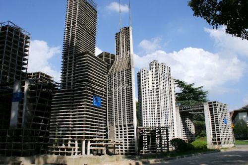 """その目的は?上海・同済大学に""""巨大ビル群""""を発見"""
